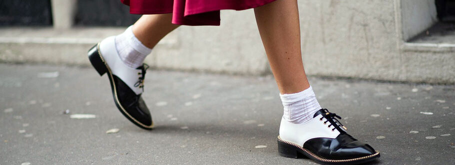 How to wear: socks in shoes