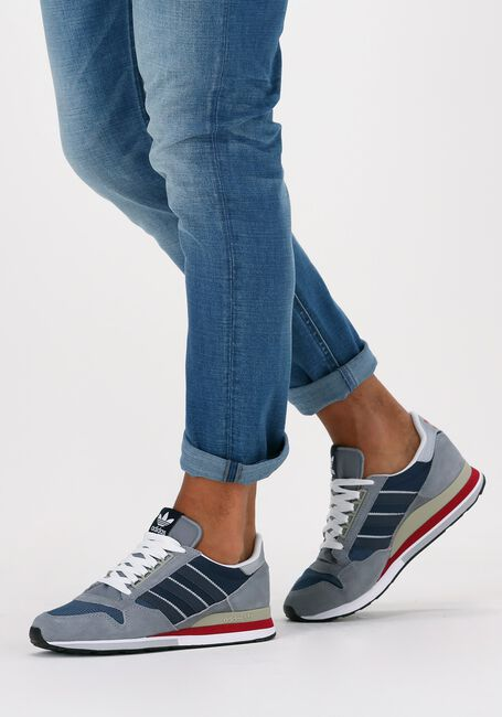 Grijze ADIDAS Lage sneakers ZX 500  - large