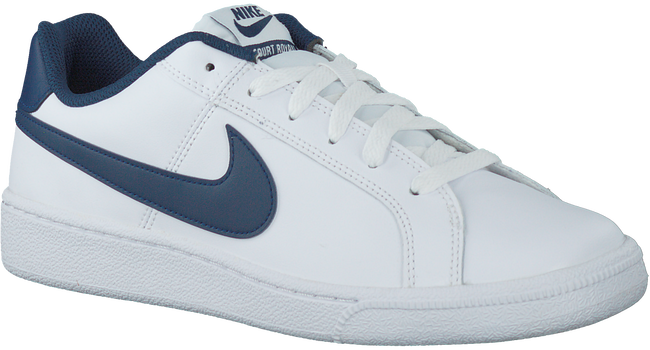 Witte NIKE Sneakers COURT ROYALE SUEDE MEN  - large
