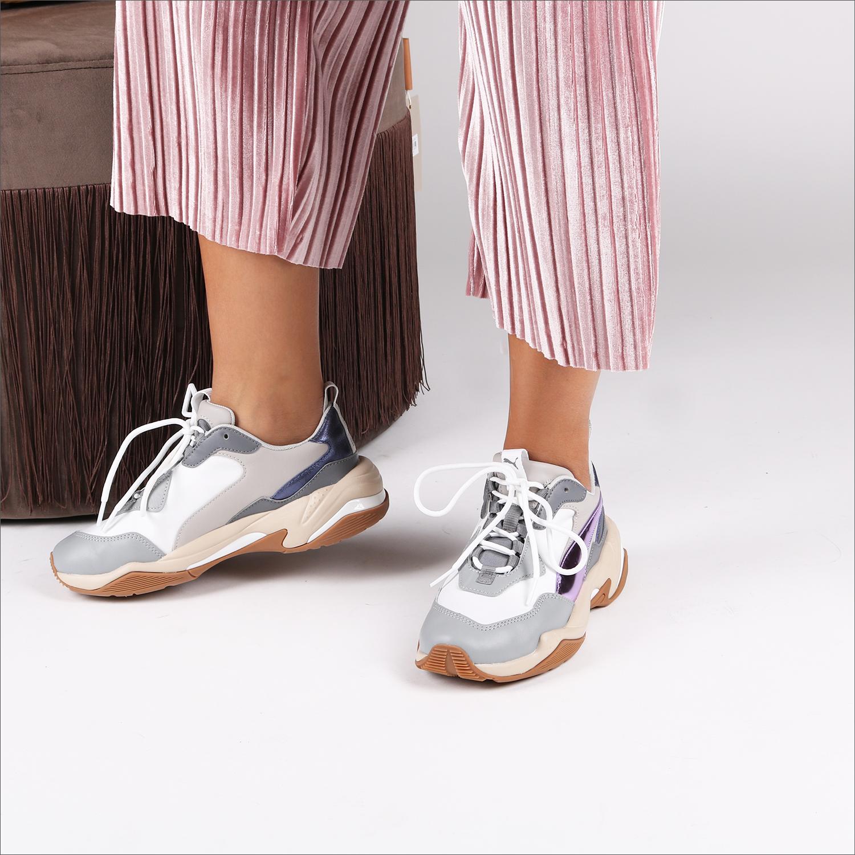 5e379569981 Witte PUMA Sneakers THUNDER ELECTRIC - Omoda.nl