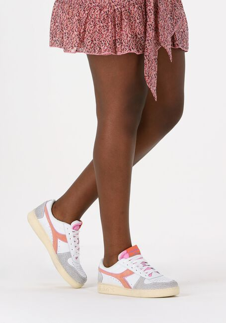 Beige DIADORA Lage sneakers MAGIC BASKET LOW ICONA WOMAN  - large