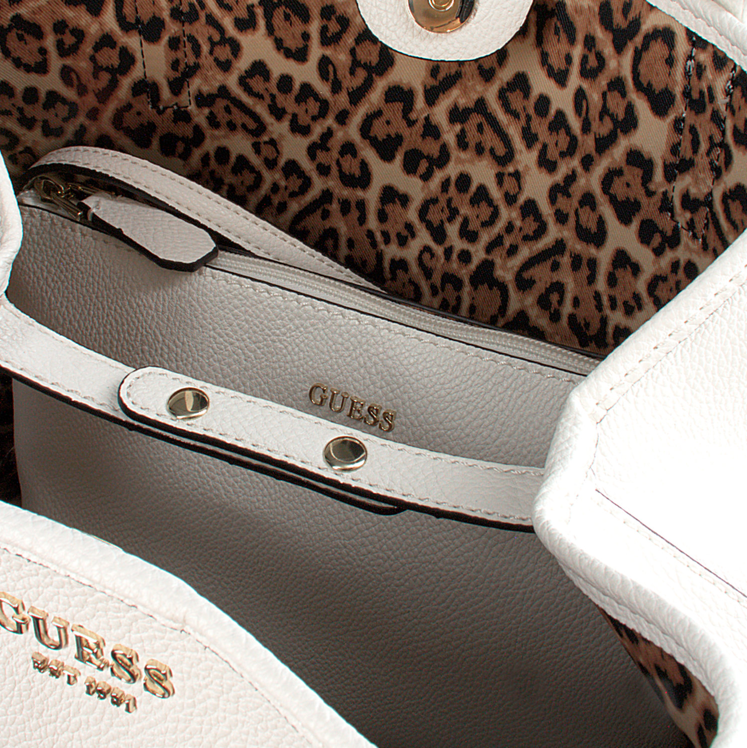 Witte GUESS Handtas VIKKY TOTE Omoda