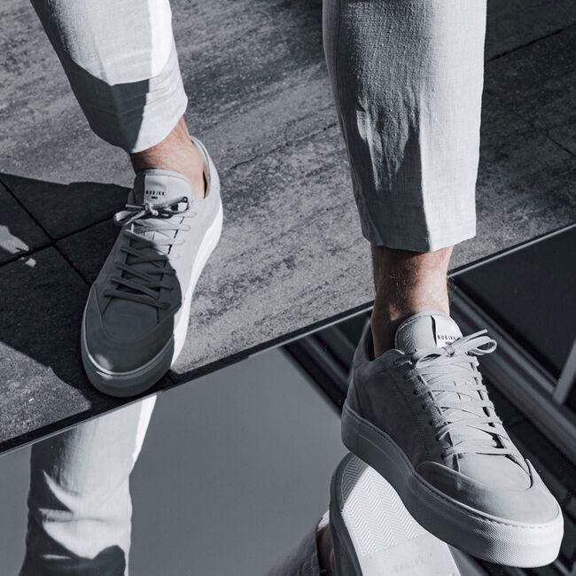 Grijze NUBIKK Lage sneakers JAGGER NAYA  - large
