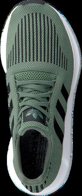 Groene ADIDAS Sneakers SWIFT RUN HEREN  - large