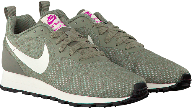 Groene NIKE Sneakers MD RUNNER 2 ENG MESH WMNS  - large