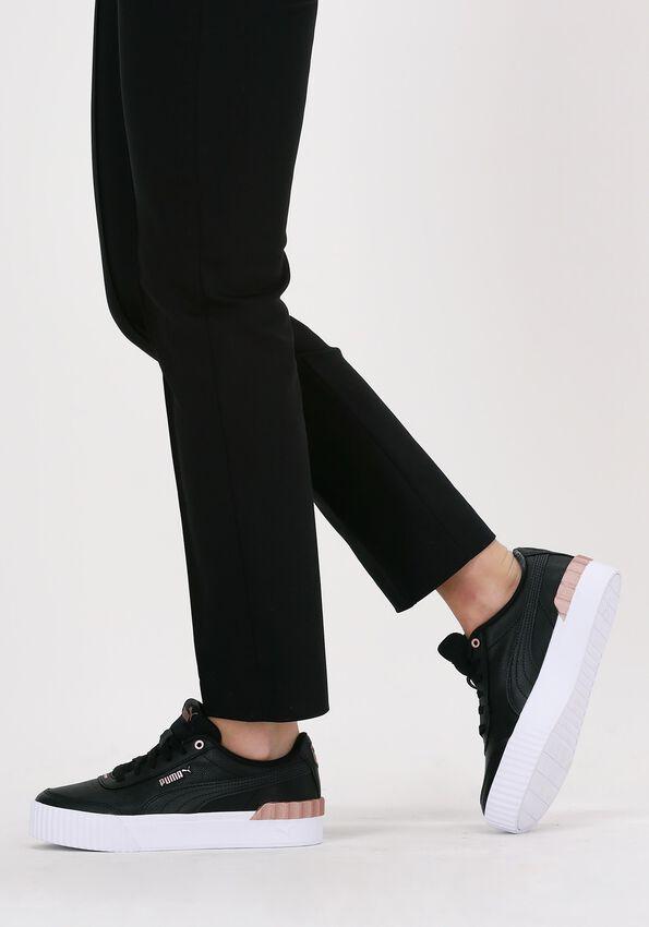 Zwarte PUMA Lage sneakers CARINA LIFT METALLIC POP WNS - larger