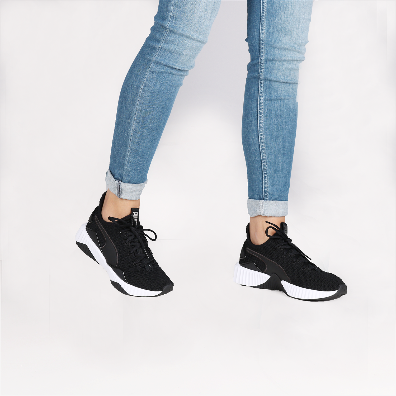 ecc76be56b6 Zwarte PUMA Sneakers DEFY WMN - Omoda.nl