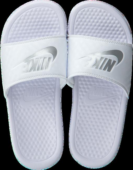 Witte NIKE Slippers BENASSI JDI WMNS Omoda.nl