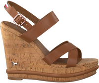 Cognac TOMMY HILFIGER Sandalen CORPORATE WEDGE  - medium