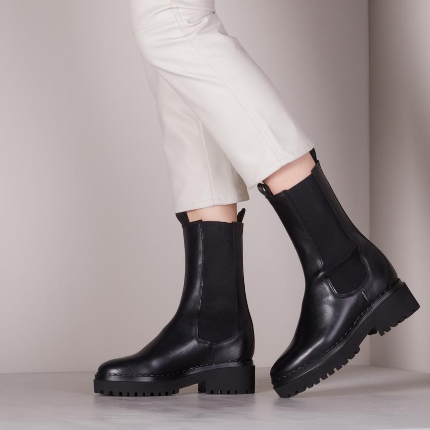 Zwarte NUBIKK Chelsea boots FAE ADAMS  - larger