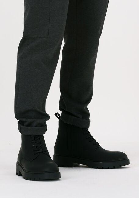 Zwarte CALVIN KLEIN Chelsea boots DESERT LOW LACEUP  - large