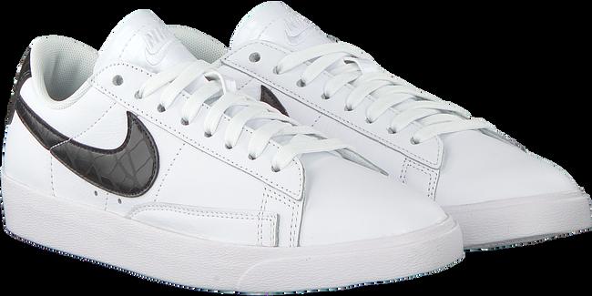 Witte NIKE Sneakers BLAZER LOW ESS WMNS - large