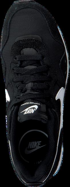 Zwarte NIKE Lage sneakers VENTURE RUNNER WMNS  - large