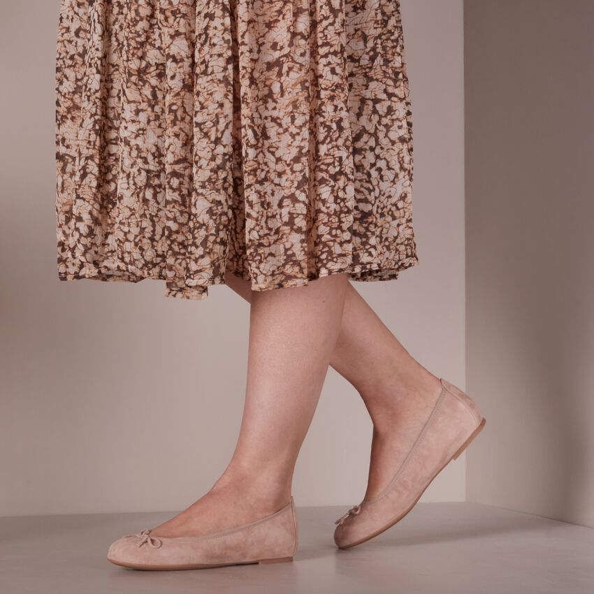 Beige UNISA Ballerina's ACOR  - larger