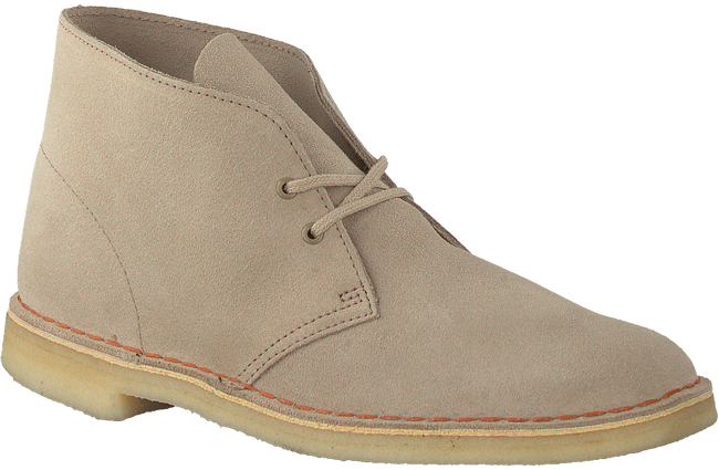 Beige CLARKS Veterschoenen DESERT BOOT MEN  - large