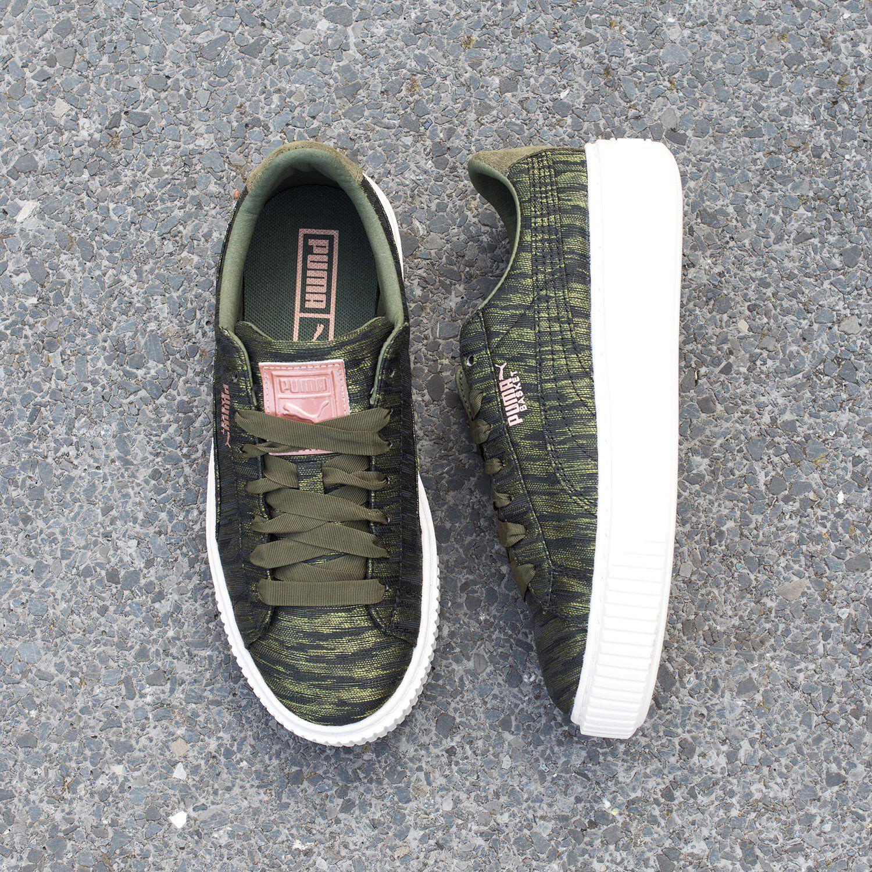 0991bb7a614 Groene PUMA Sneakers BASKET PLATFORM VR - Omoda.nl