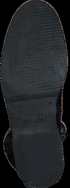 Zwarte TOMMY HILFIGER Veterboots PIN LOGO LACE UP  - large