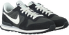 Zwarte NIKE Sneakers INTERNATIONALIST MEN  - small