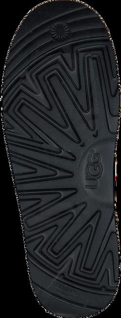 Zwarte UGG Enkelboots CLASSIC TOGGLE WATERPROOF - large