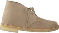 Beige CLARKS Veterschoenen DESERT BOOT DAMES  - medium