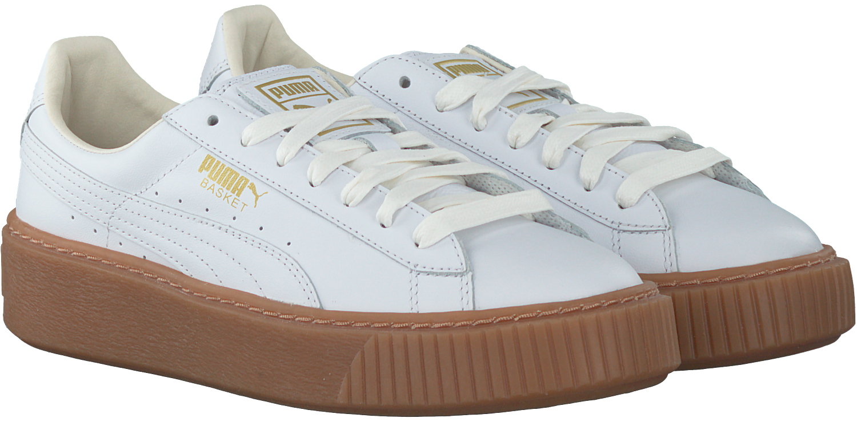 512e6fa5868 Witte PUMA Sneakers BASKET PLATFORM CORE - Omoda.nl