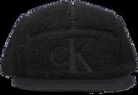 Zwarte CALVIN KLEIN Pet MONOGRAM SHERPA CAP  - medium