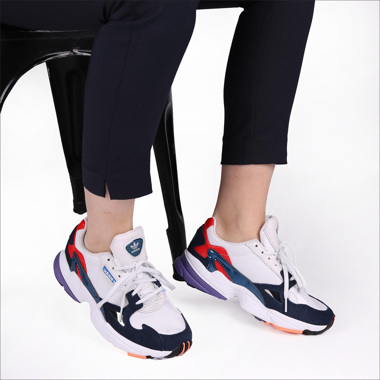 c90c78c6c38 Witte ADIDAS Sneakers FALCON WMN - Omoda.nl