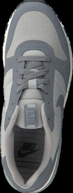 Grijze NIKE Sneakers NIGHTGAZER LW  - large