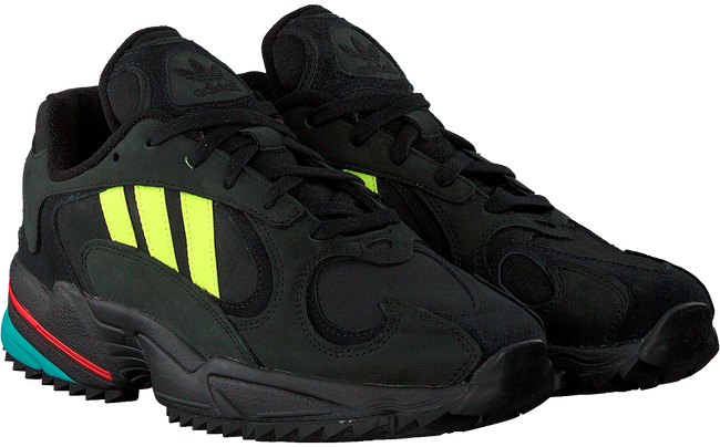Zwarte ADIDAS Sneakers YUNG-1 TRAIL  - large