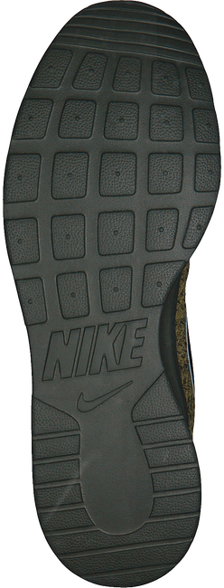 Groene NIKE Sneakers TANJUN PREM MEN - large
