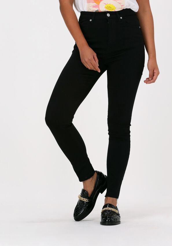 Zwarte NA-KD Skinny jeans SKINNY HIGH WAIST RAW HEM JEAN - larger