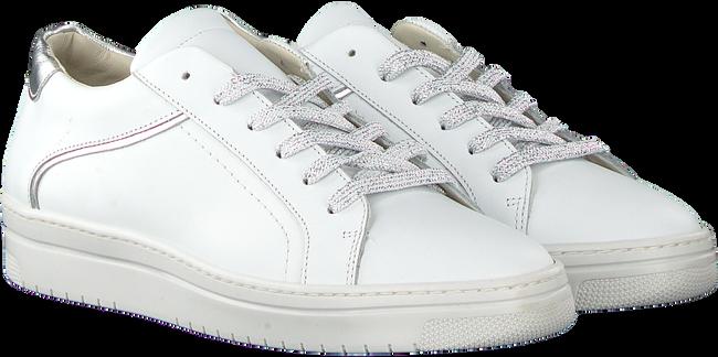 Witte OMODA Sneakers 8675 - large