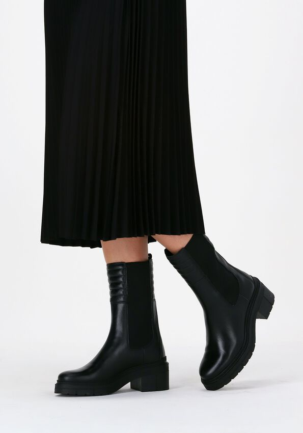 Zwarte UNISA Chelsea boots JINA  - larger