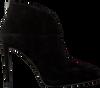 Zwarte LOLA CRUZ Enkellaarsjes 275T30BK-D-I19  - small