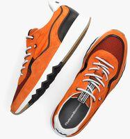 Oranje FLORIS VAN BOMMEL Lage sneakers 16392  - medium
