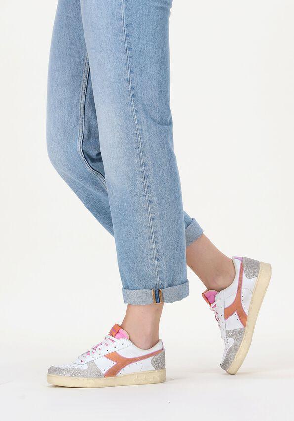 Beige DIADORA Lage sneakers MAGIC BASKET LOW ICONA WOMAN  - larger