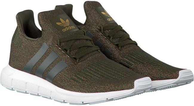 Groene ADIDAS Sneakers SWIFT RUN DAMES  - large