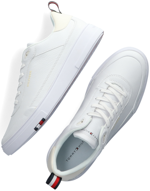 Witte TOMMY HILFIGER Lage sneakers MODERN CUPSOLE  - large
