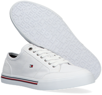 Witte TOMMY HILFIGER Lage sneakers CORE CORPORATE  - medium