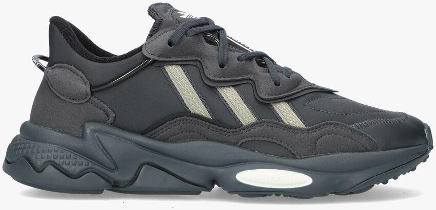 Grijze ADIDAS Lage sneakers OZWEEGO MEN  - larger