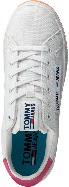 Witte TOMMY HILFIGER Lage sneakers OVERSIZED LABEL ICON  - large