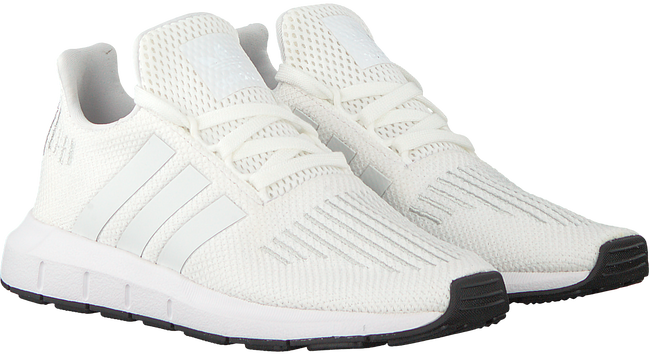 Witte ADIDAS Sneakers SWIFT RUN C - large