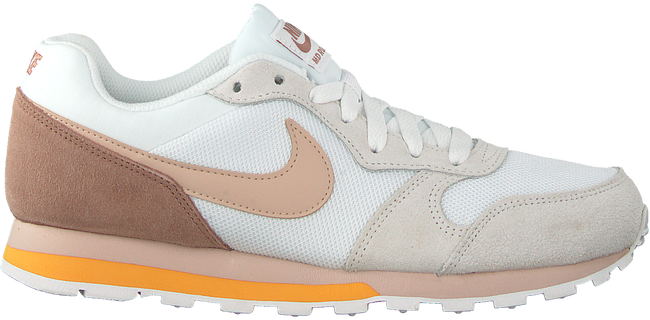 Witte NIKE Sneakers MD RUNNER 2 WMNS