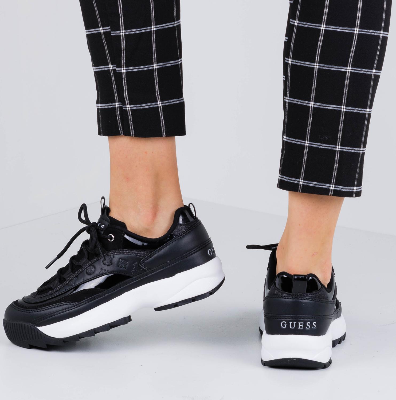 Zwarte GUESS Sneakers KAYSIE Omoda.nl
