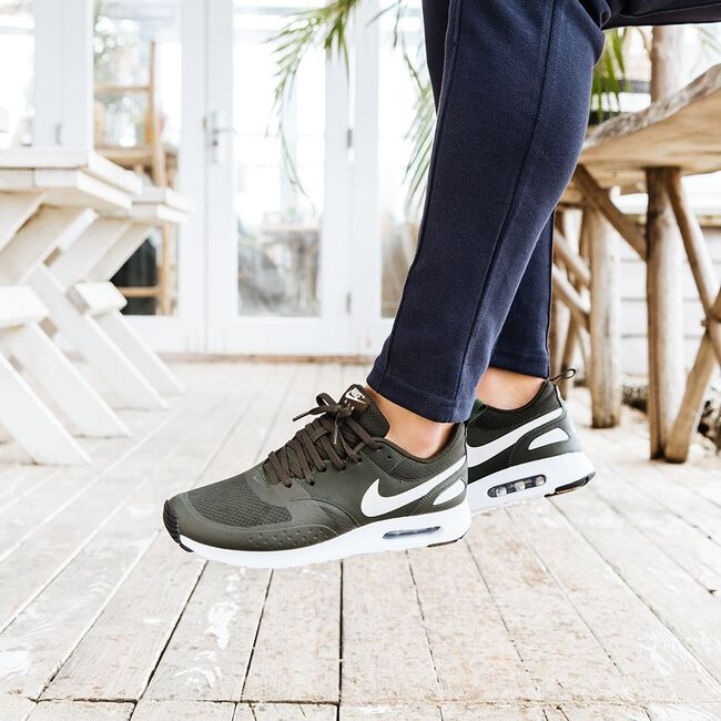 Groene NIKE Sneakers AIR MAX VISION SE MEN  - large