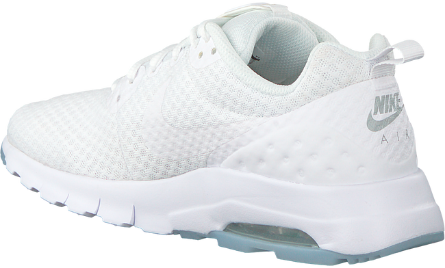 Witte NIKE Sneakers AIR MAX MOTION LW WMNS - large