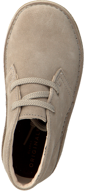 Beige CLARKS Veterschoenen DESERT BOOT KIDS  - large