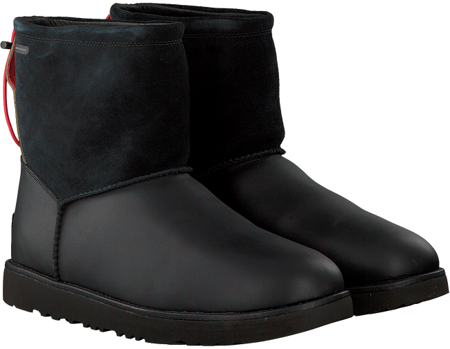 Zwarte UGG Enkelboots CLASSIC TOGGLE WATERPROOF  - large