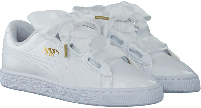 Witte PUMA Sneakers BASKET HEART PATENT  - large
