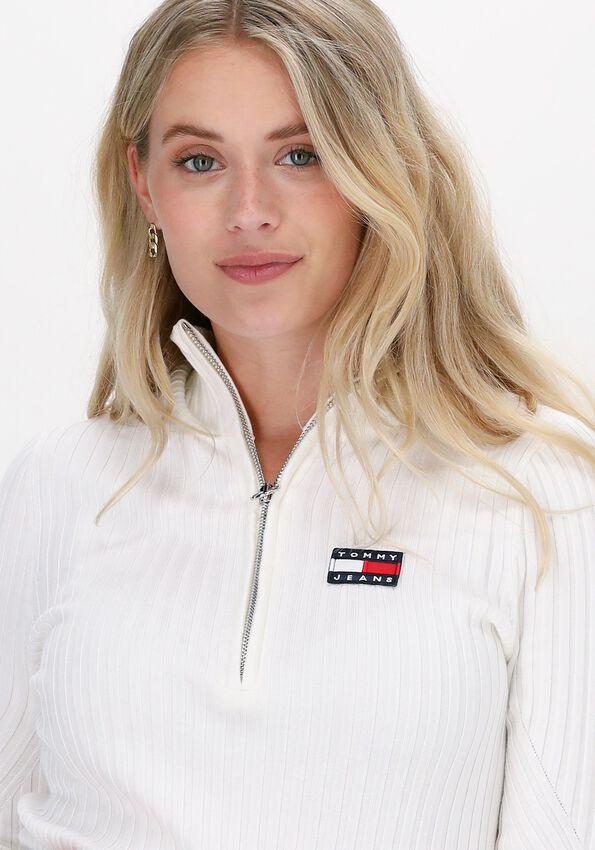 Witte TOMMY JEANS Sweater TJW HALF ZIP THRU SWEATER - larger